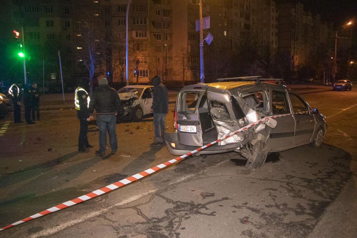 DTP-5-of-18 ДТП в столиці: п'яний водій Uber на повному ходу протаранив Dacia
