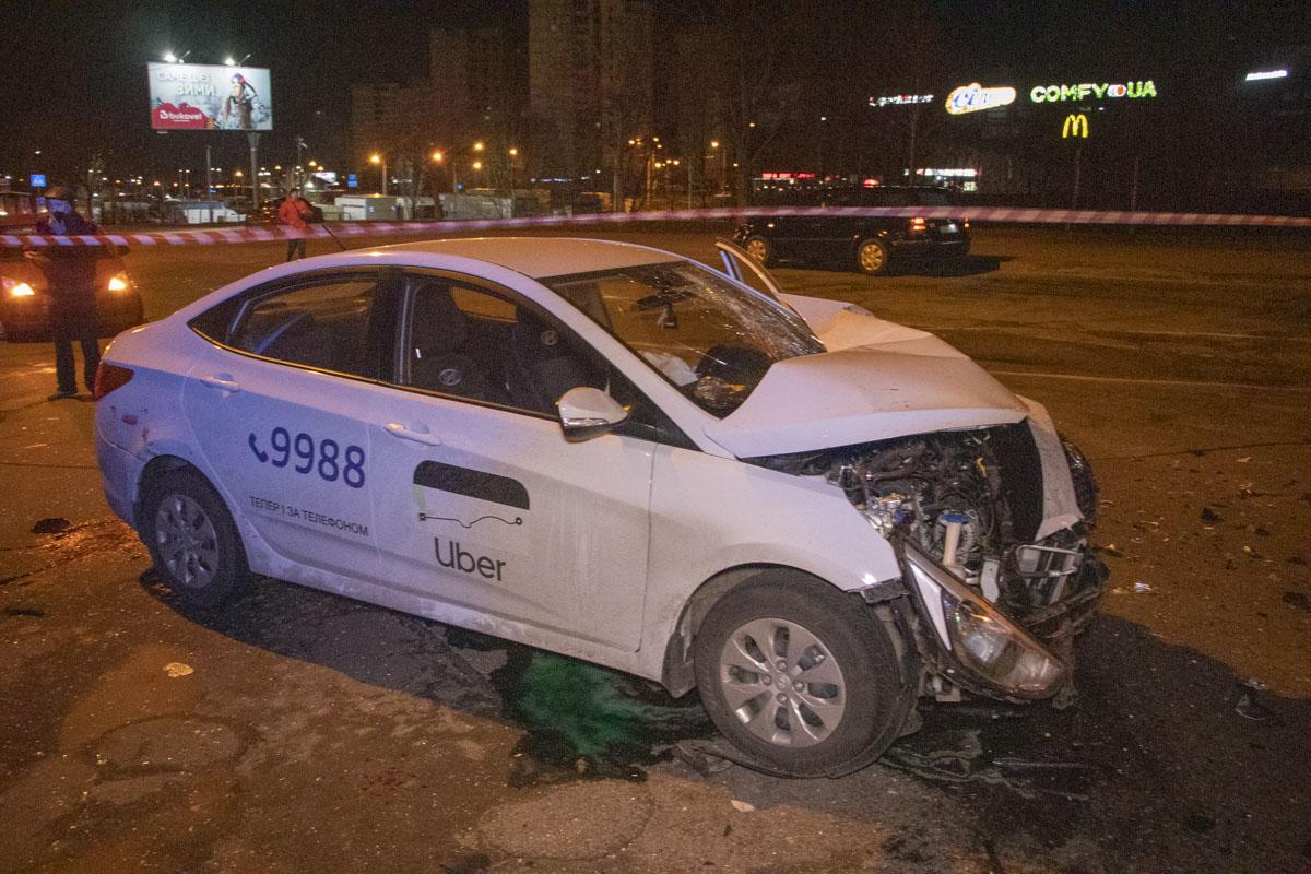 DTP-8-of-18 ДТП в столиці: п'яний водій Uber на повному ходу протаранив Dacia