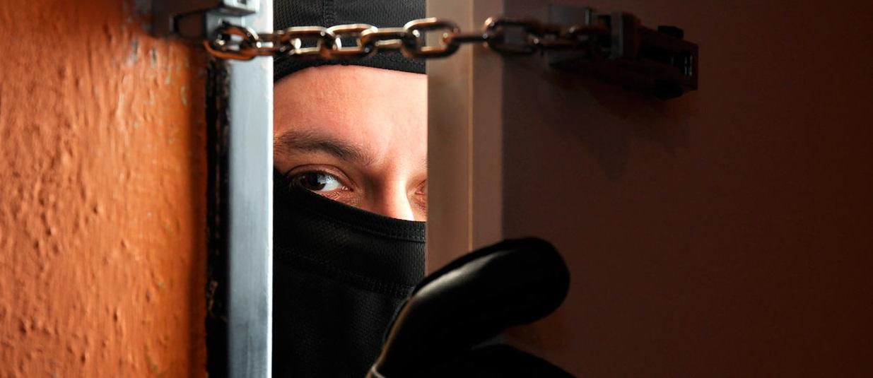 Грабежі, крадіжки та угони: минула доба у Києві