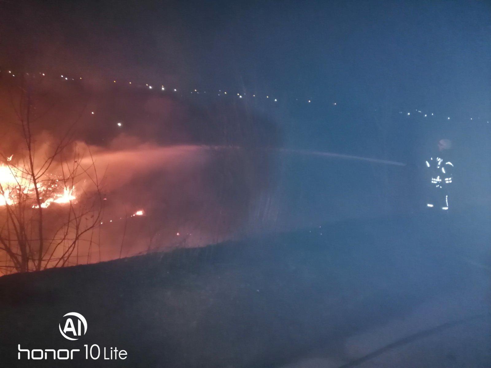 Irp-suh-trava-4 Пекельний вікенд: 5 загорань трав'яного настилу приборкали рятувальники Ірпінського регіону