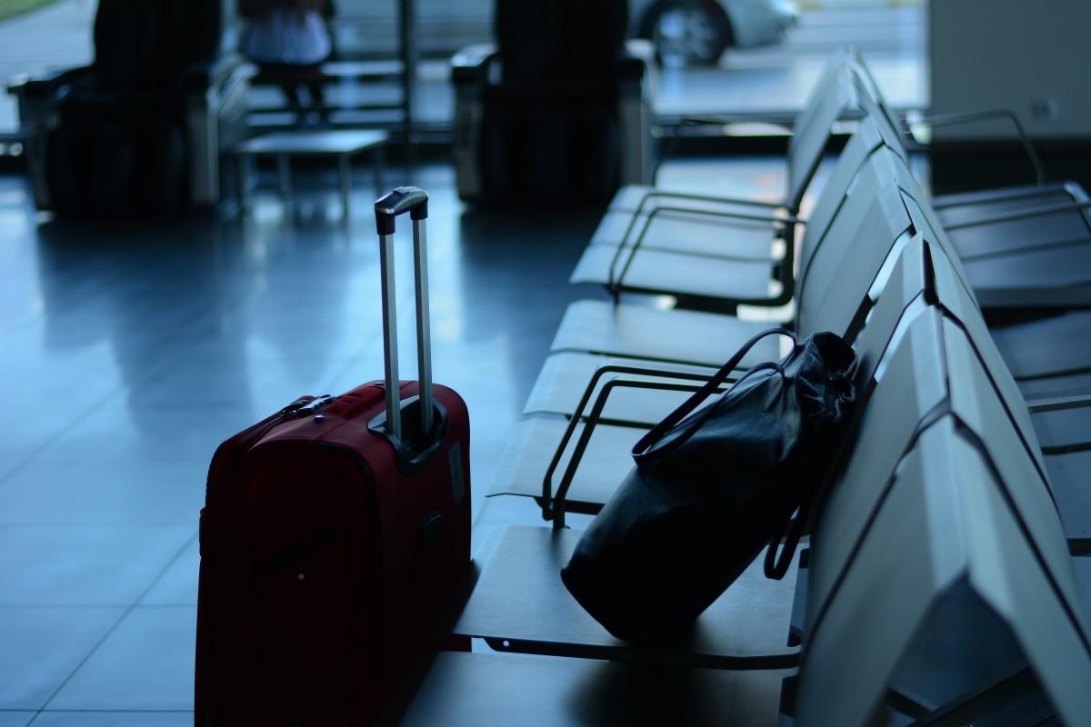 airport_travel_traveler_business_suitcase_departure_tour_tourist-1330974 Евакуацію українців з Китаю знову відклали