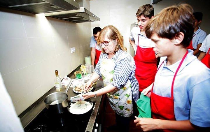 Домашнє господарювання для хлопців: іспанський експеримент - школа, світ, Освіта - dom1