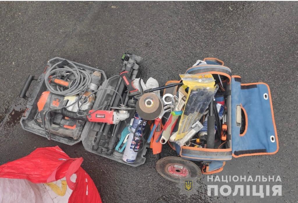 Ірпінські поліцейські спіймали серійних квартирних крадіїв - поліція Київщини, крадіжки - kradbucha