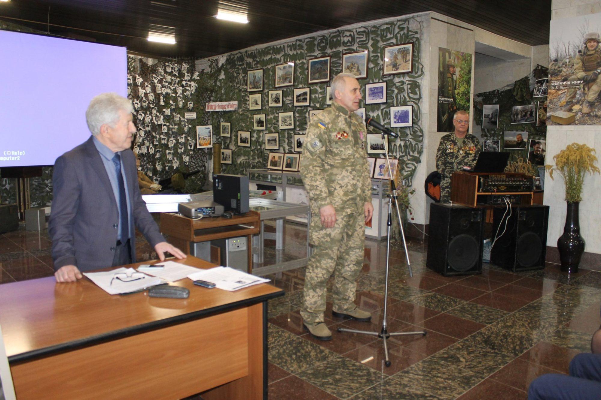 muzej1-2000x1333 На Вишгородщині відкрито  виставку «Афганістан – без права на забуття»