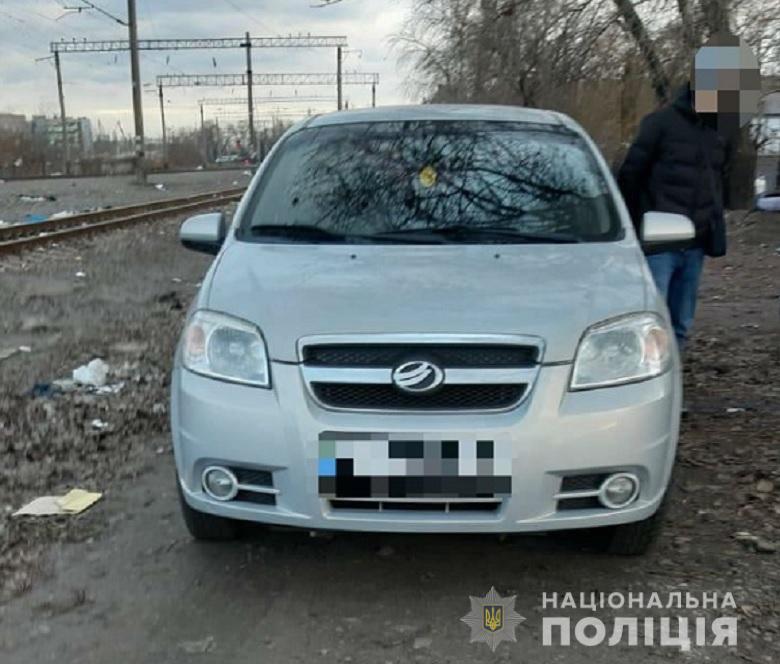 У Києві затримали іноземця, який скоїв крадіжку з автомобіля