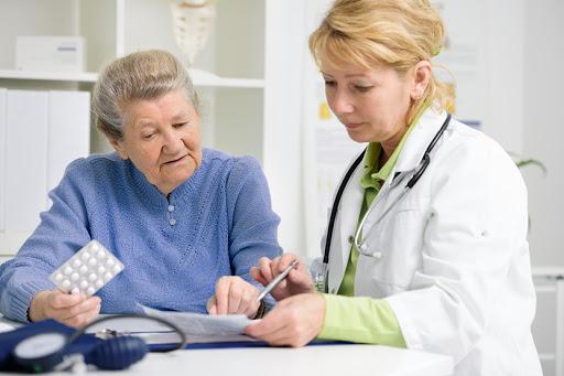 На що має право пацієнт та куди звертатись, якщо це право порушене