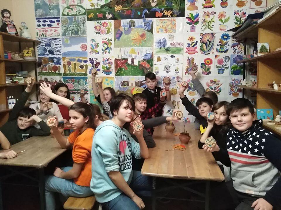 У Вишгородському музеї школярі вчили давньоруську абетку - Міжнародний день рідної мови, майстер-клас, київщина, ВІКЗ, Вишгород - vikz1