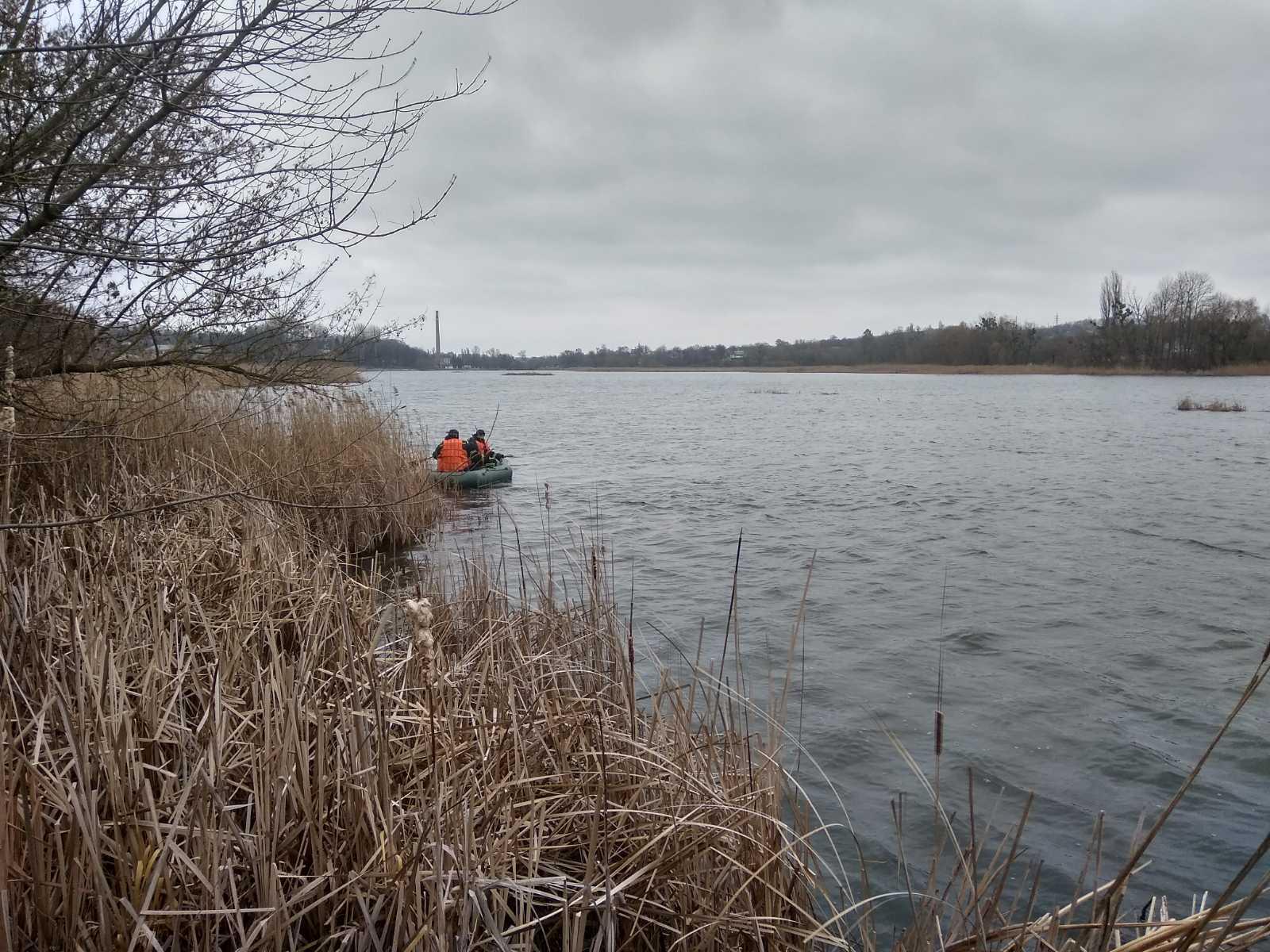 Тетіївські рятувальники дістали лебедя із рибальської сітки -  - 0 02 05 3f546210b1f7f8e4317d63373c218b177d6dcf33b8dbc97ad68977afc0262170 9969338c