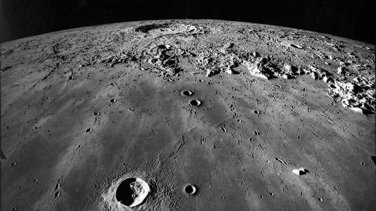 NASA відтворило легендарне відео, зняте під час обльоту «Аполлона-13» навколо Місяця в 4K - Місяць, NASA - 04 luna