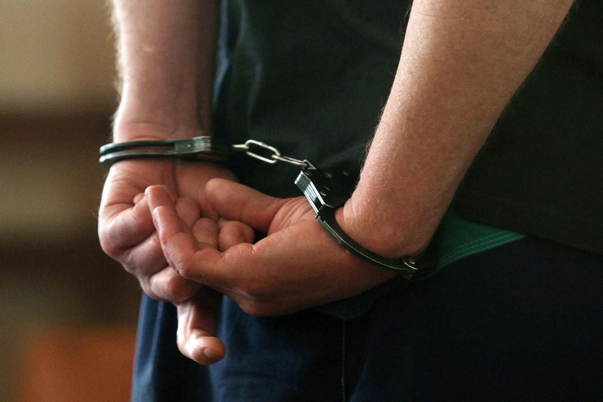Наніс удари палицею та ножем: у Києві судитимуть колишнього поліцейського -  - 0 Gp0b08r2EHvr0WO5