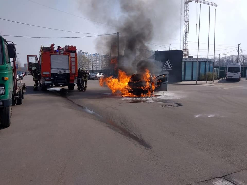 У Вишневому згоріло авто - Вишневе - 101C75EF FEF5 4638 8E82 A2BE9BAFC322