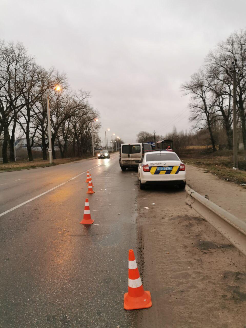 У Броварах сталася ДТП: постраждалий переходив дорогу у невстановленому місці -  - 1233332211