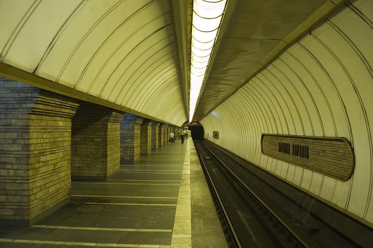 Кличко повідомив, що київське метро закриють сьогодні о 23:00 до 3 квітня (ВІДЕО) - метро, коронавірус - 17 metro zakryto