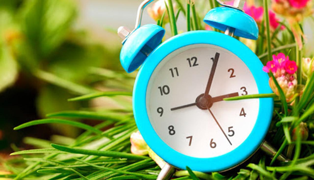 На вихідних Україна переходить на літній час: коли та як перевести стрілки годинника - літній час - 27 chas