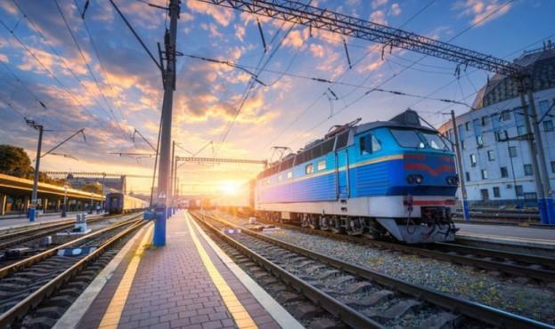 Укрзалізниця призупиняє пасажирські перевезення по Україні - Укрзалізниця, Пасажирські перевезення - 385232 1 1 623x370 1