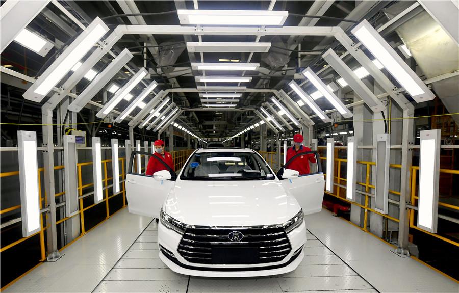 5e785abda31012820660c963 У китайському Ухані дозволили відновити роботу автомобільних заводів