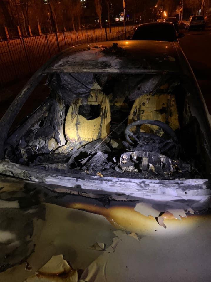 У Києві спалили автомобіль в.о. голови держекоінспекції -  - 88982446 3335859559763704 579418563136192512 n