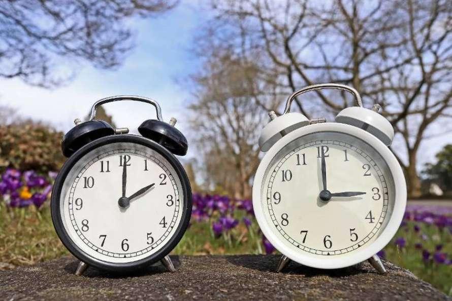 На годину вперед: Україна переходить на літній час -  - 890 450 5c87799ee2caf
