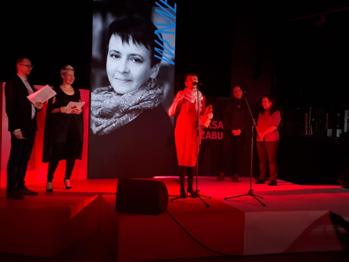 Письменниця Оксана Забужко стала цьогорічною лауреаткою премії Women in Arts-2020 -  - 89250090 199396164493847 5143051057231822848 n