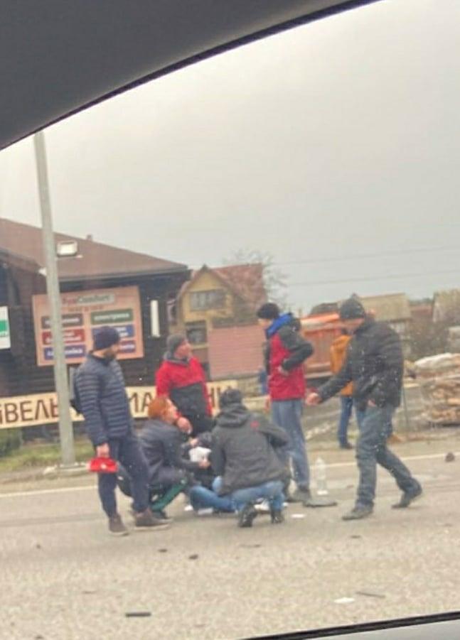 89610251_532492764072996_2668393379196305408_n Під Обуховом зіткнулися дві автівки, є постраждалі