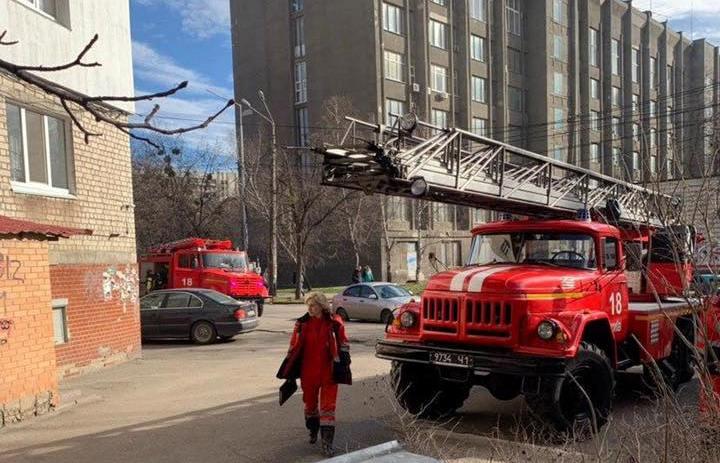 У Києві діти підпалили квартиру -  - 89819820 942060529523367 4670594166361686016 n