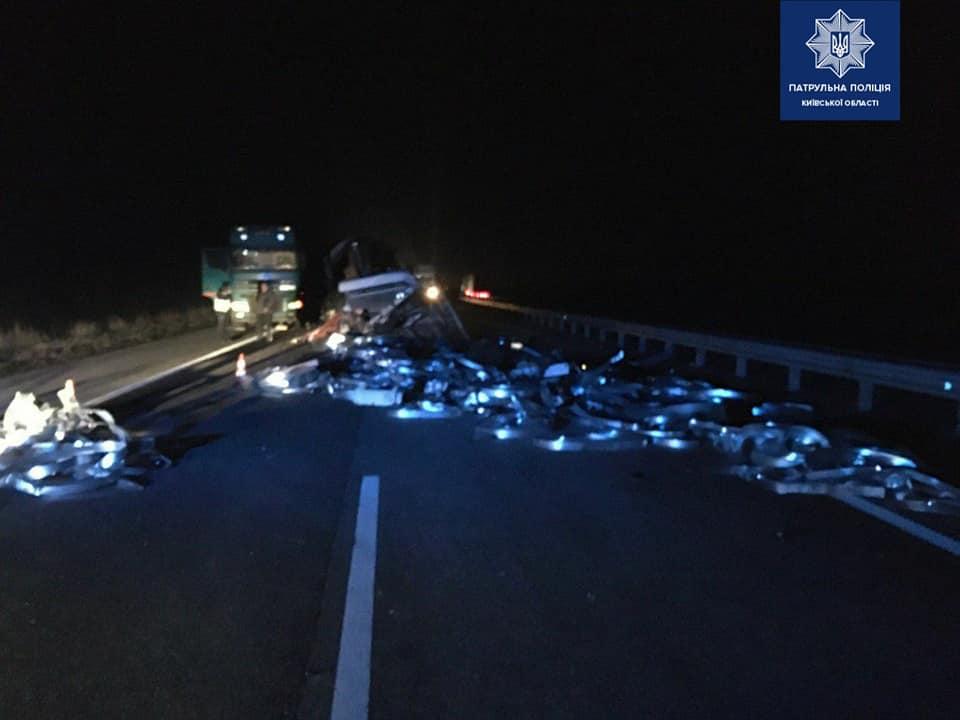 На Переяславщині зіштовхнулися дві вантажівки, люди дивом вціліли -  - 90049351 1703818489791737 807448319730122752 n