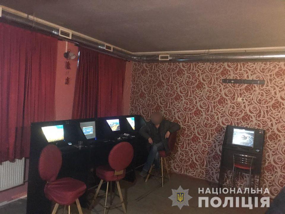 В Обухові правоохоронці за допомогою місцевого мешканця ліквідували підпільний ігровий заклад -  - 90054222 2850526065002547 6002797222335348736 o