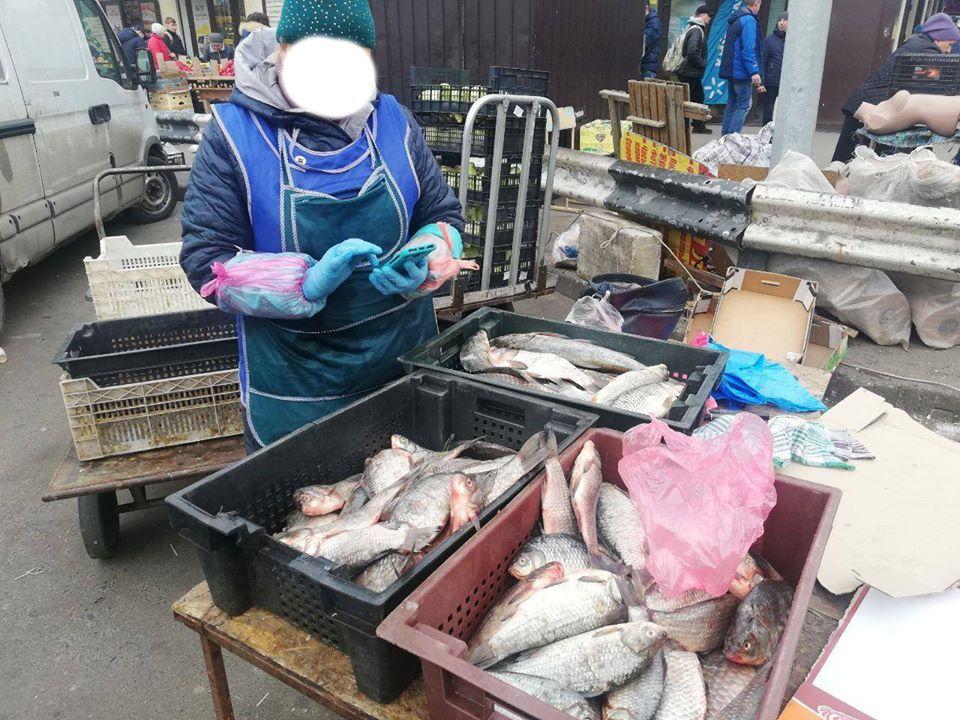 На київському ринку виявили майже 200 кг риби без жодних документів -  - 90156833 2840770602666113 2965336216767037440 o