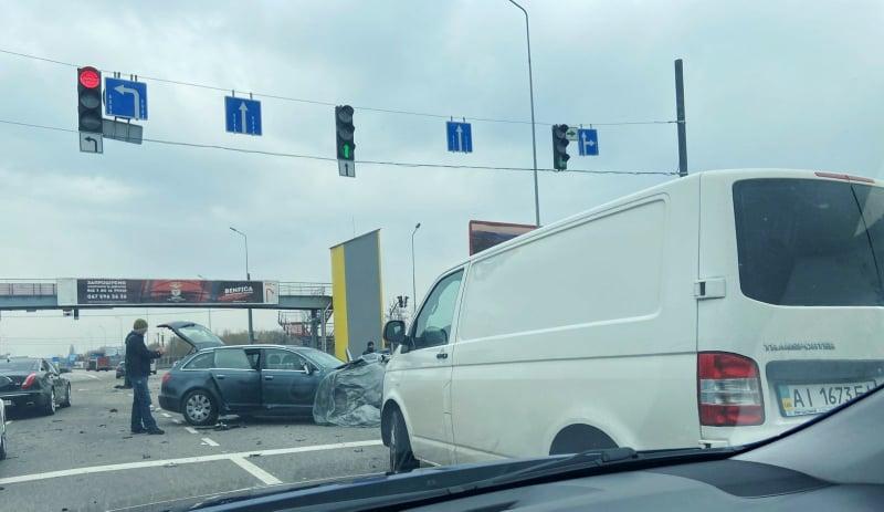 90231212_877007422749378_8641064889168691200_n Під Обуховом зіткнулися дві автівки, є постраждалі