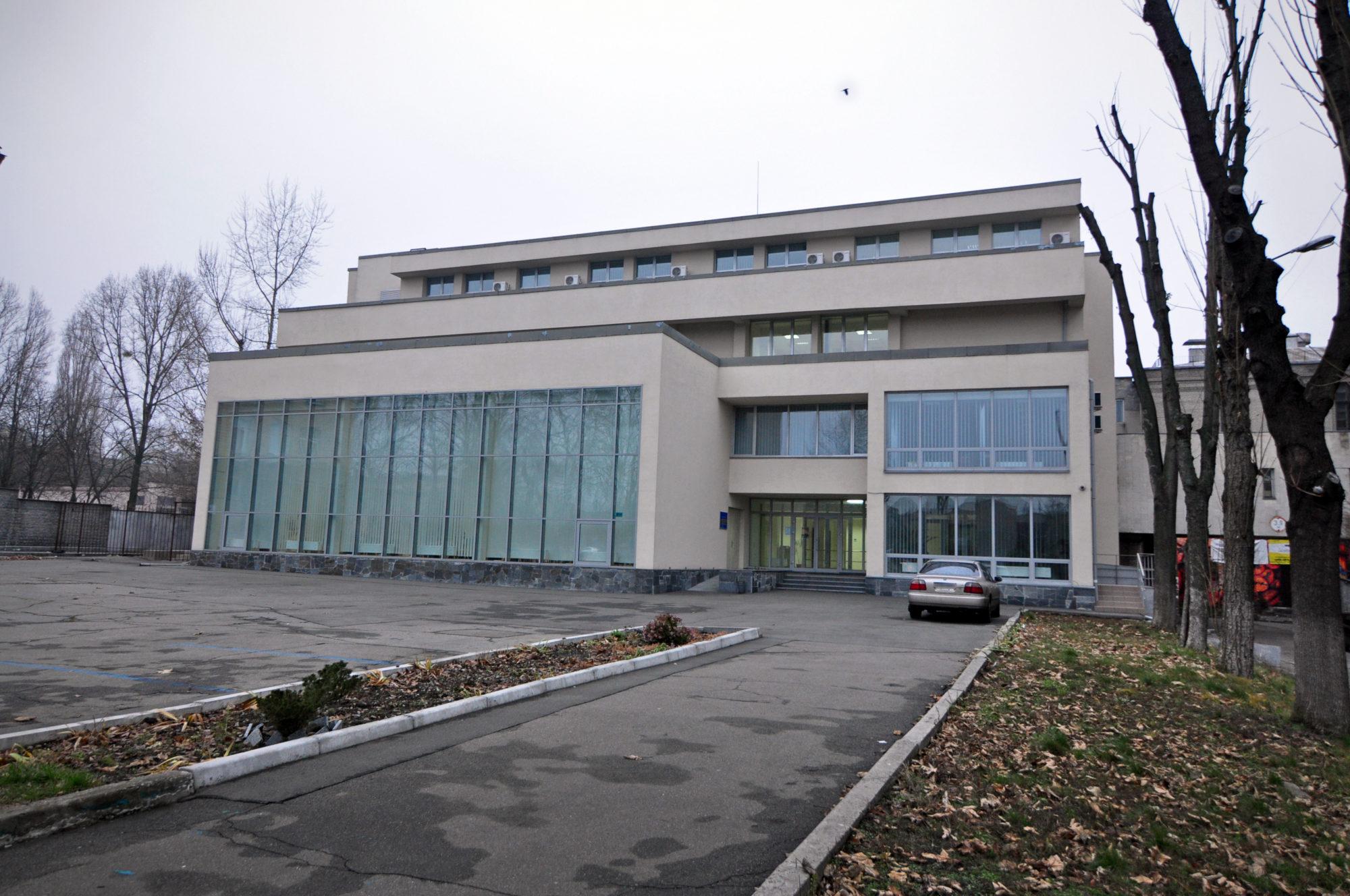 В столичній бібліотеці презентуватимуть книгу «(Не)відомі українці, які змінили історію» -  - Biblioteka imeni Zabolotnogo1 2000x1328