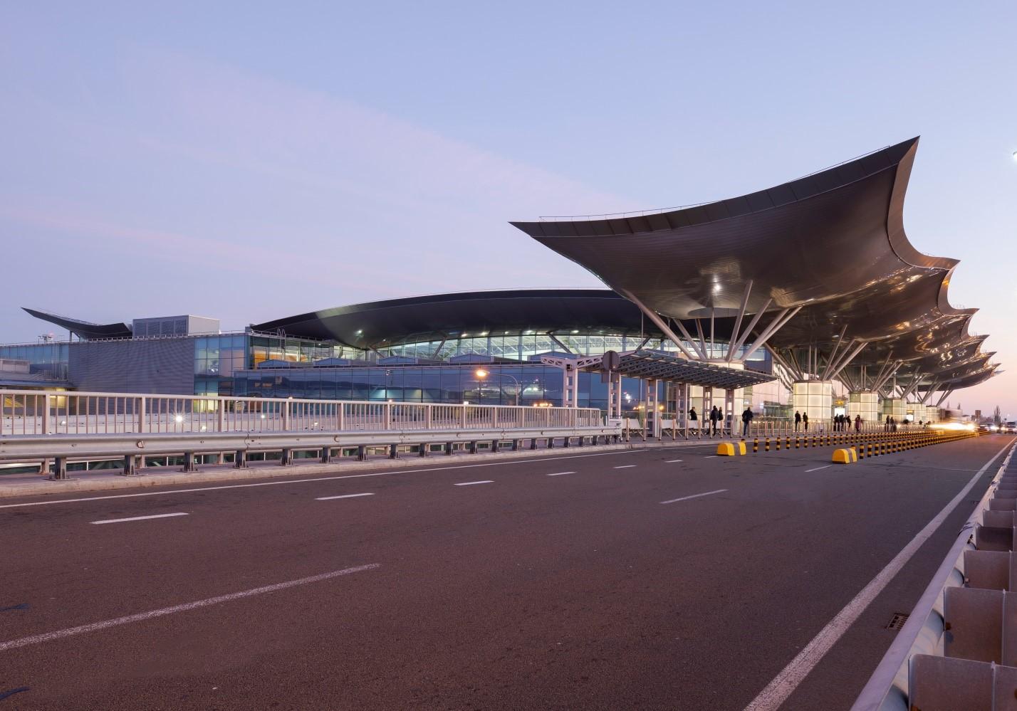 """Аеропорт """"Бориспіль"""" закрив термінал D -  - D"""