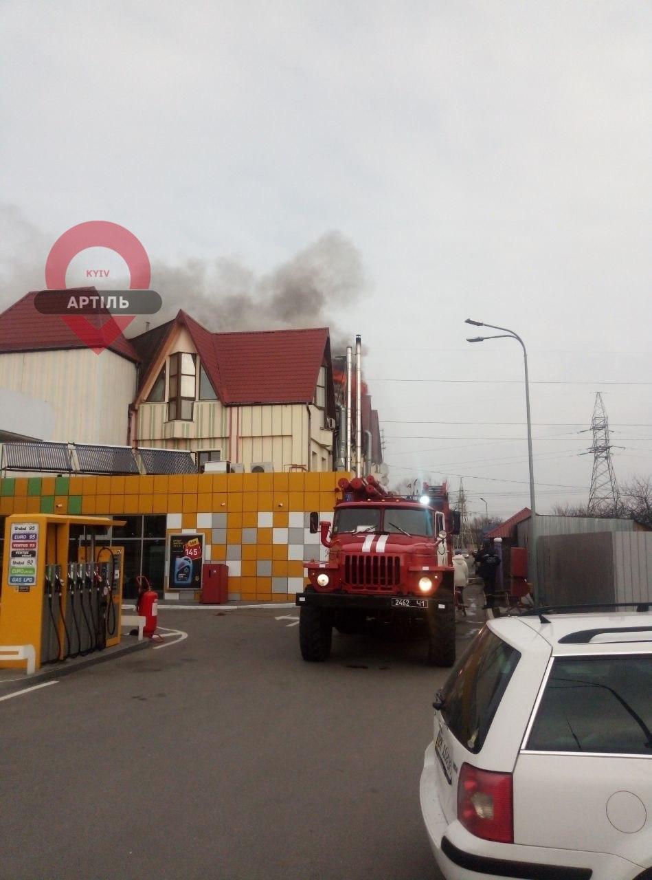 60 рятувальників загасили масштабну пожежу в Чабанах -  - IMG 20200301 135442 157