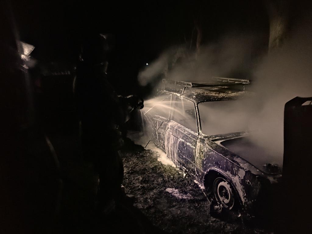 IMG_20200324_230158 У Таращанському районі вогонь вщент знищив автомобіль ВАЗ