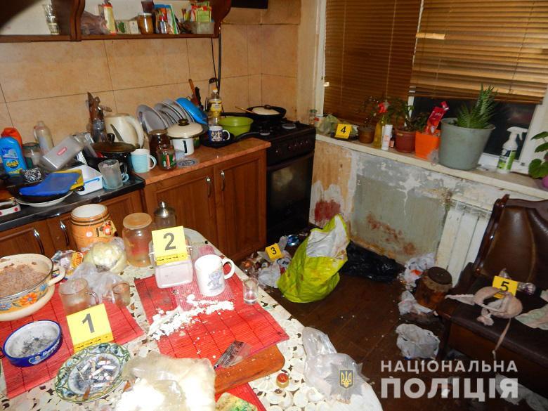 Оковита, бійка, труп: у Києві затримали чоловіка, який забив до смерті знайомого -  - Obolttu0403204