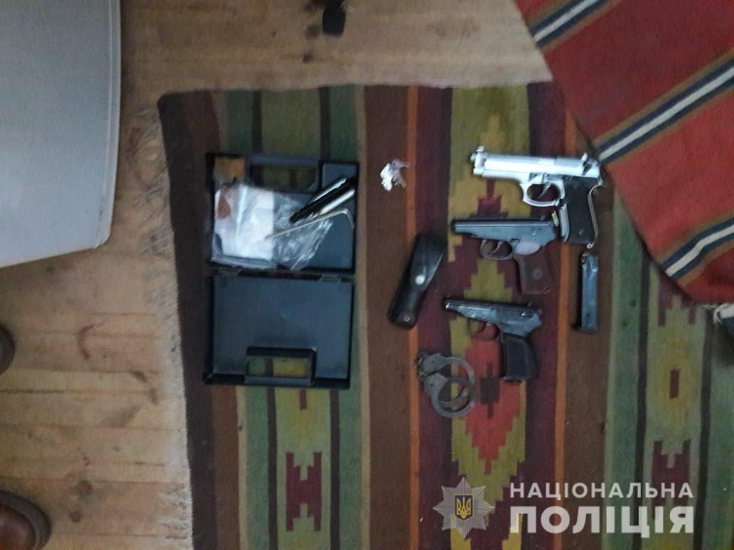 На Білоцерківщині під час обшуків вилучили арсенал зброї та боєприпасів - поліція Київщини, незаконний продаж зброї, Білоцерківський район - WhatsApp Image 2020 03 03 at 10.17.41
