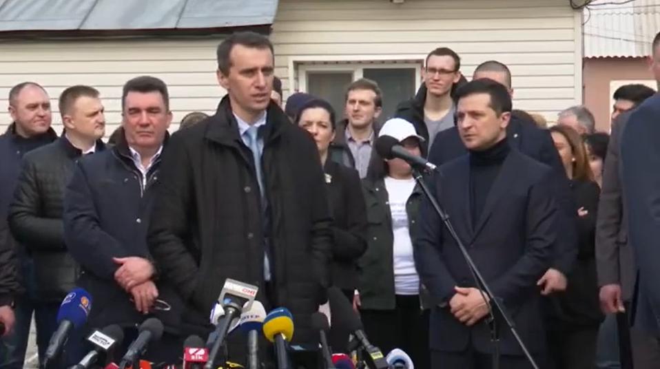 Через коронавірус в Україні заборонять масові заходи та введуть карантин у школах