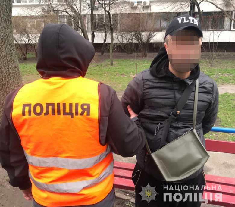 У Києві затримали іноземця, який пограбував автівку - кримінал, Грабіж - dnhrabopv03206