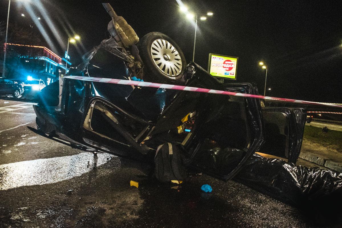 Смертельна ДТП в столиці: пасажир загинув, водій в критичному стані -  - dtp 8 of 15