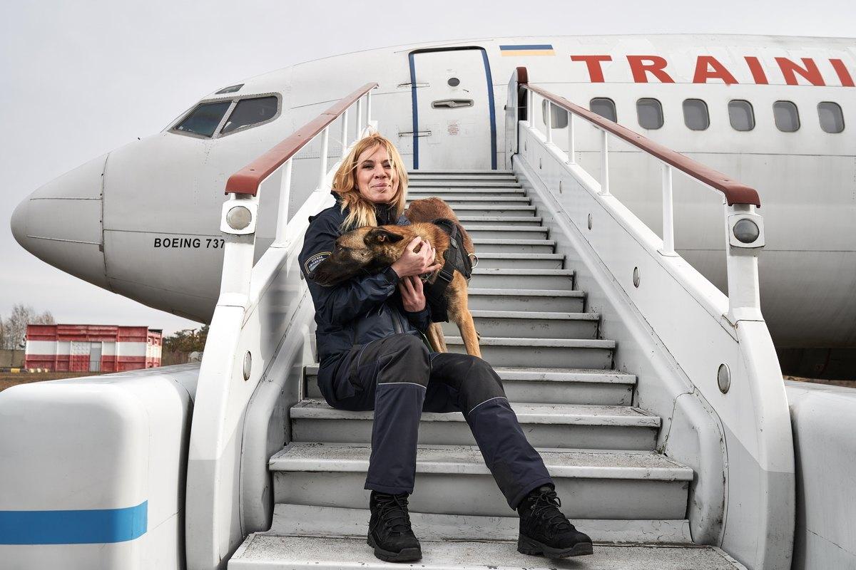 Жінки, які працюють в аеропорту «Бориспіль», хто вони? (частина 2) -  - hlkH8m121hFLHfuCYwdFqg