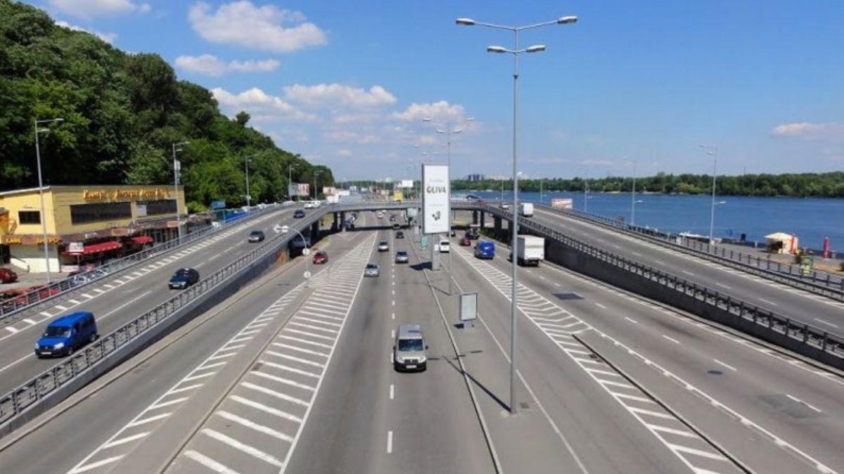 Увага! У Києві на місяць обмежать естакадний з'їзд на Набережне шосе -  - image 810xs