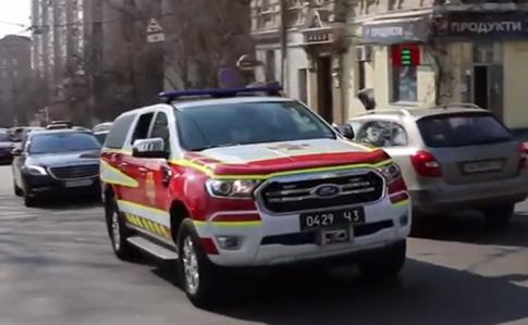 У Києві рятувальники з гучномовців просять людей дотримуватися умов карантину - коронавірус, карантин, Заходи безпеки, ДСНС - mashyna