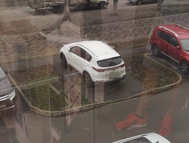 Вишгородська поліція взялася за порушників правил паркування - порушення ПДР, Поліція, паркування, київщина, Вишгород - parkuv2