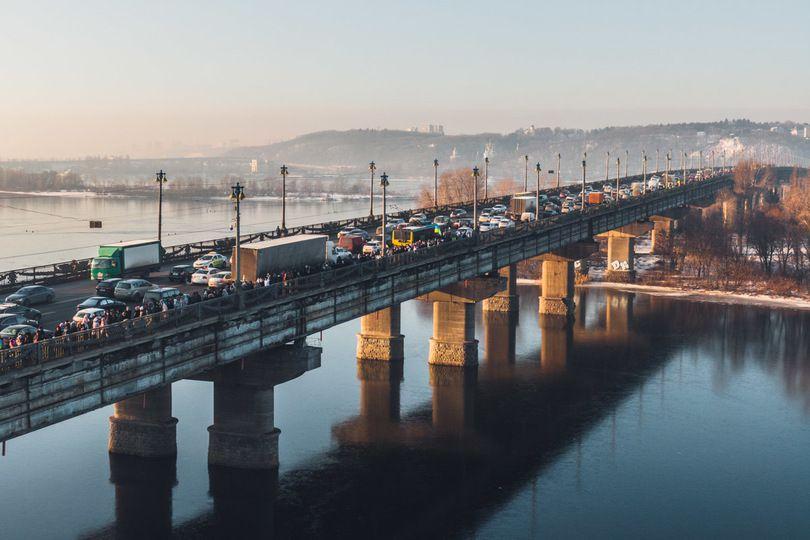 У Києві на мосту Патона прорвало теплотрасу (відео) - шляхопровід, Київсьогодні - paton