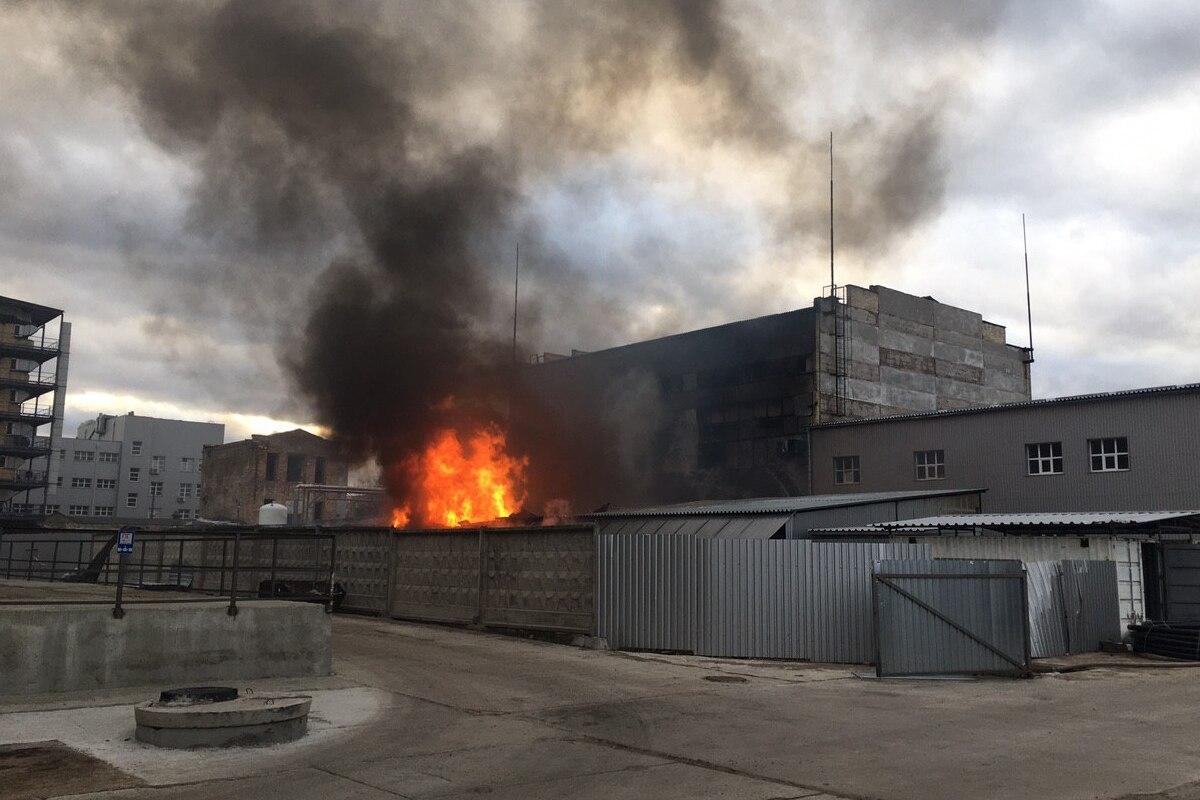 У Києві горять складські приміщення -  - photo 2020 03 14 16.53.18 2