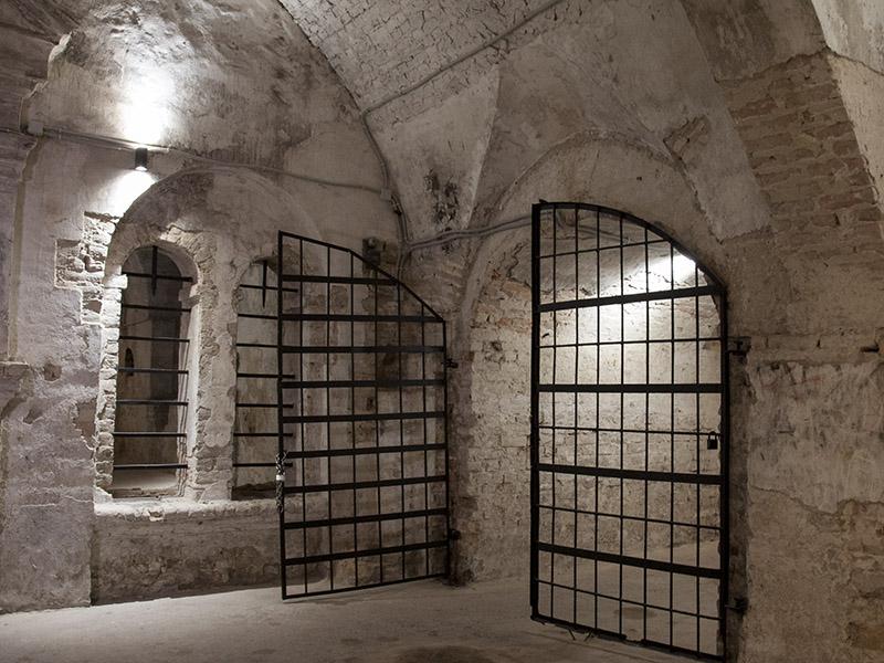 Підземелля Луцька відкрили для екскурсантів -  - pidz4
