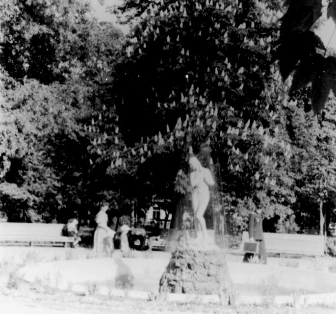 Скульптури біля київських фонтанів - київщина, Київ, історія - skul2