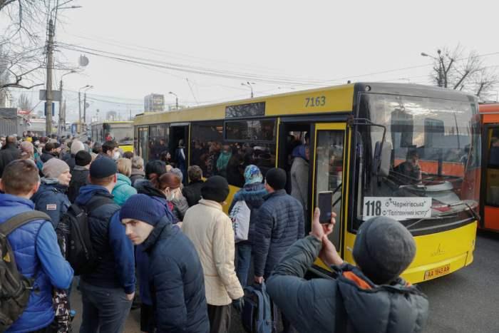 У Києві запустили 200 додаткових маршруток -  - v Kyeve Ukrayna