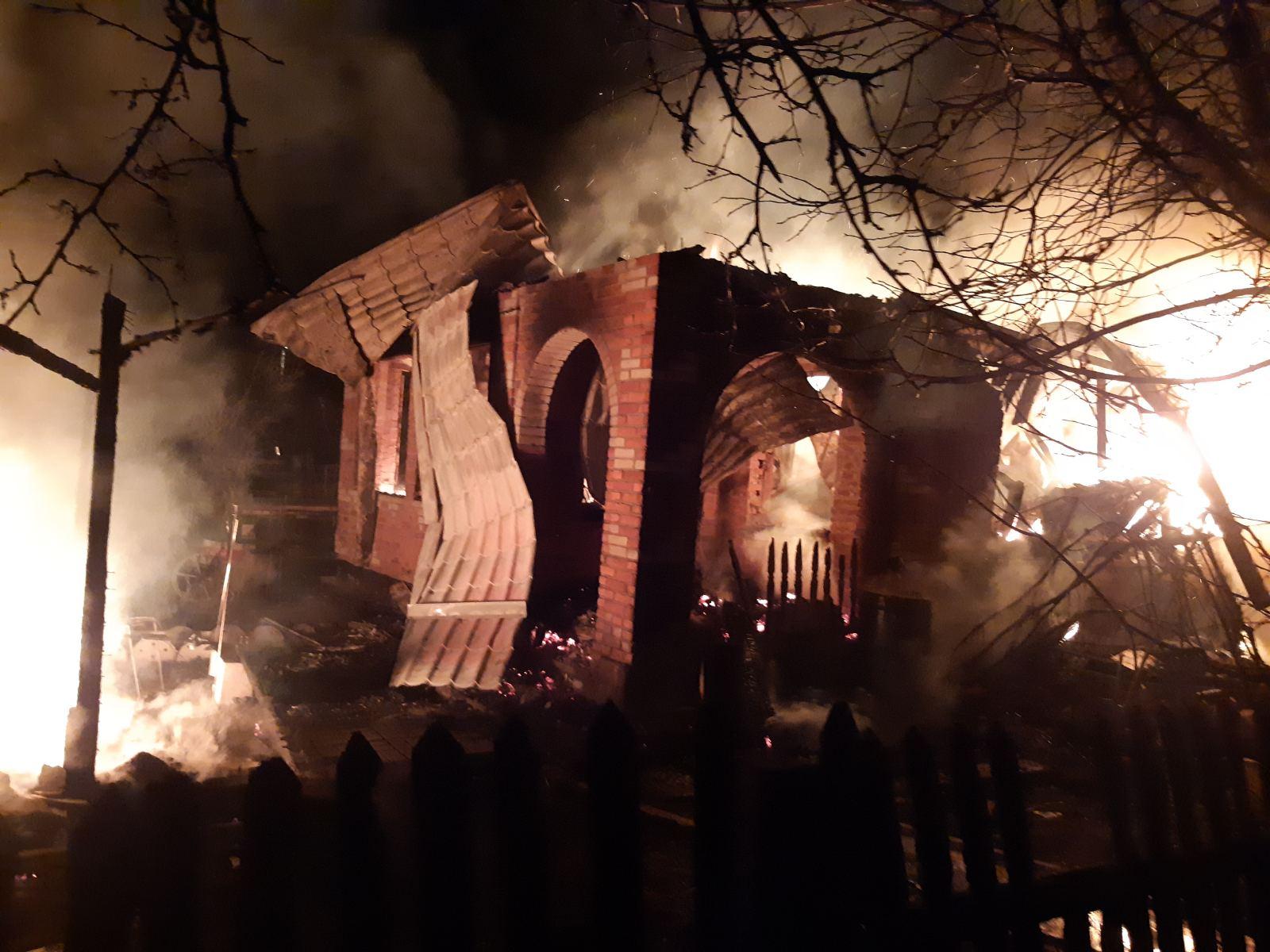 Вогонь знищив будинок на Броварщині -  - yzobrazhenye viber 2020 03 29 11 42 31