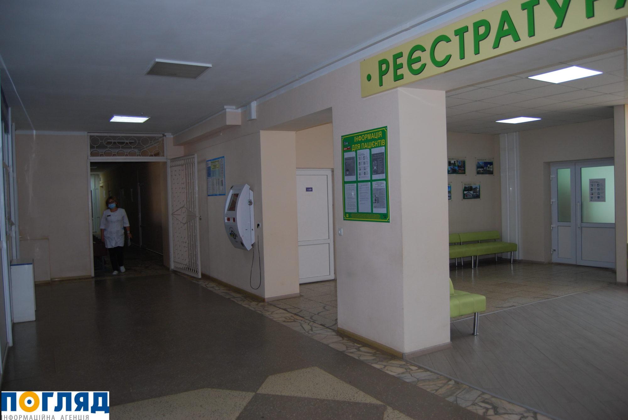 У лікарню Василькова привезли третього пацієнта з COVID-19 - коронавірус - 000DSC 4016 2000x1339