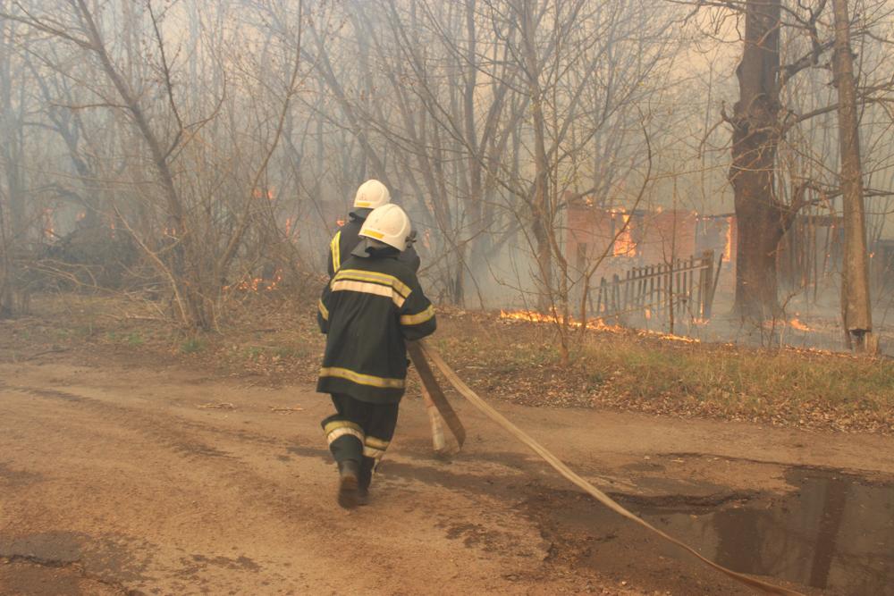 У зоні відчуження Чорнобильської АЕС продовжують гасіння пожеж -  - 02